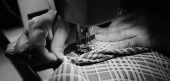 Het naaien Proces Stock Foto's