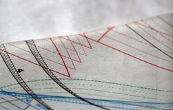 Het naaien trekkend en vindend document op de lijst Royalty-vrije Stock Foto