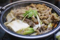 Het Nabevlees aan de wintertoeristen is wordt gediend een groot energievoedsel dat stock afbeeldingen