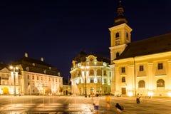 Het nachtleven in Sibiu Historisch Centrum Stock Afbeelding