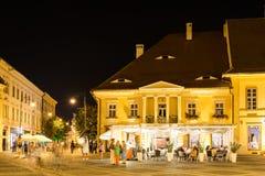 Het nachtleven in Sibiu Historisch Centrum Stock Foto's