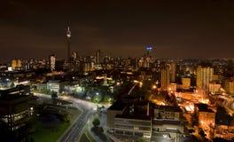 Het nachtstuk van stad in Johannesburg Stock Fotografie