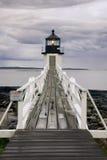 Het naderbij komen van het onweer stelt de Vuurtoren van het Punt, Maine op Stock Afbeeldingen