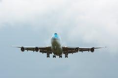 Het naderbij komen van vliegtuigen Stock Afbeelding