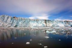 Het naderen van het gezicht van een gletsjer bij het geluid van prinswilliam Royalty-vrije Stock Afbeelding