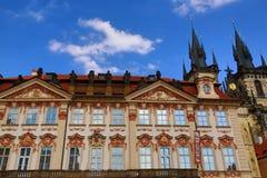 Het National Gallery, de Gotische Kerk van Onze Dame vóór Tyn, Oude Gebouwen, Oud Stadsvierkant, Praag, Tsjechische Republiek Stock Afbeeldingen