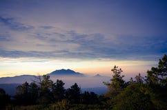 Het Nationale park van Doiinthanon in de zonsopgang in Chiang Mai Province, Thailand stock fotografie