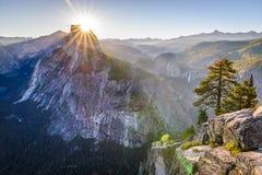 Het Nationale Park van Yosemite: Het Punt van de gletsjer stock foto