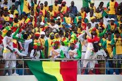 Het nationale team van voetbalventilators van Senegal in de tribunes Royalty-vrije Stock Fotografie