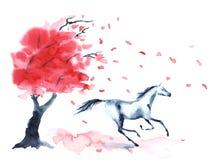 Het natte waterverf galopperende paard met inktvlekken bevlekt de herfstboom met rode dalingsbladeren en wind op wit Stock Fotografie