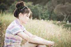 Het natuurlijke milieu van portretvrouwen Royalty-vrije Stock Foto's