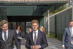 Het Nederland 2018 van ministersander dekker leaving at almere Het openen na zich het bewegen van Utrecht aan Almere-Stadsnederla royalty-vrije stock afbeelding