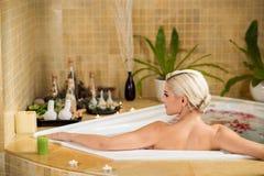 Het nemen van bad stock afbeelding