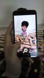 Het nemen van beeld van kinderen die met speelgoed spelen Stock Fotografie