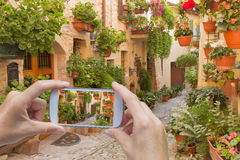 Het nemen van beelden van Spello (Umbrië, Italië) Stock Afbeeldingen