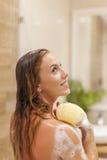 Het nemen van douche Stock Fotografie