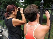 Het nemen van Foto's bij de Nationale Kathedraal stock fotografie