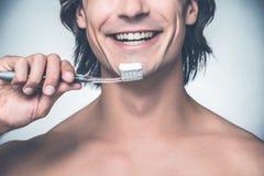 Het nemen van goede zorg van mijn tanden royalty-vrije stock afbeelding
