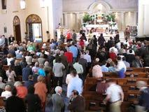 Het nemen van Heilige Communie Stock Foto