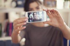 Het nemen van zelfportret Stock Foto