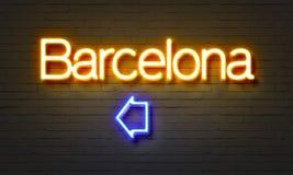 Het neonteken van Barcelona op bakstenen muurachtergrond Stock Afbeelding