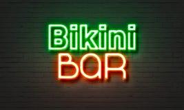 Het neonteken van de bikinibar op bakstenen muurachtergrond Stock Foto's
