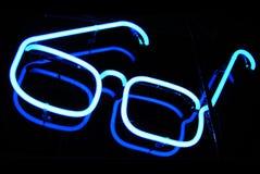 Het neonteken van de optometrist bij nacht Stock Afbeelding