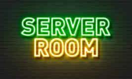 Het neonteken van de serverruimte op bakstenen muurachtergrond Stock Afbeelding