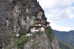 Het Nest die van de tijger Paro-Vallei, Bhutan overzien Stock Afbeeldingen
