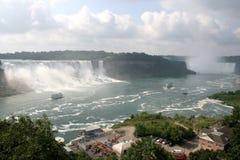 Het Niagara Falls & de Boten van Canada stock afbeelding