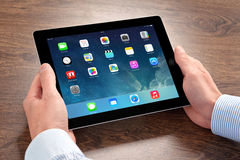 Het nieuwe besturingssysteemios 7 scherm op iPad Apple Stock Foto
