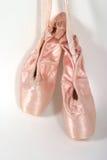 Het nieuwe Hangen van de Pantoffels van het Ballet Royalty-vrije Stock Foto