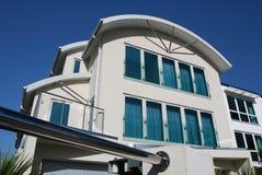 Het nieuwe Moderne Huis van de Luxe stock afbeeldingen
