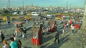 Het nieuwe vierkant van Moskeeyeni cami stock video
