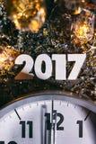 2017 het Nieuwjaar ` s Eve Grunge Background van de Middernachtklok Stock Afbeelding