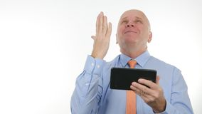 Het Nieuws die van zakenmanimage reading good op Tablet Enthousiast Handgebaar maken royalty-vrije stock foto's