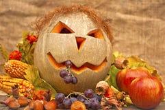 Het nog-leven van de herfst met grappige pompoen Stock Foto