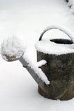 Het nog-leven van a water geven-blik en sneeuw Royalty-vrije Stock Afbeelding