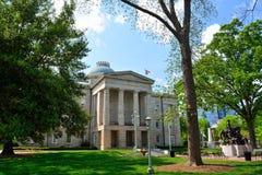 Het noorden Carolina State Capitol Building op Sunny Day stock foto's