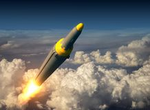 Het noorden Koreaans Ballistisch Rocket Over The Clouds Stock Afbeelding