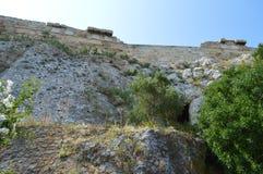 Het noordenhellingen van Akropolis in Athene, Griekenland op 16 Juni, 2017 Stock Foto