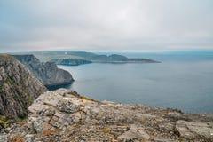 Het noordenkaap Nordkapp en de Barentsz Zee bij het noorden van het Eiland Mageroya in Finnmark, Noorwegen royalty-vrije stock afbeeldingen
