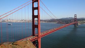 Het noordenkant van Golden gate bridge stock videobeelden