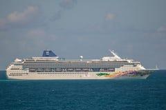 Het Noorse Schip van de Cruise van de Hemel Stock Foto's