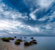 Het oceaanlandschap van de ochtendzonsopgang Royalty-vrije Stock Foto's
