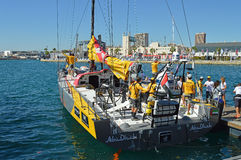 Het Oceaanras van Volvo het Afscheid van Team Abu Dhabi Ocean Racing Say van 2014 - van 2015 aan Hun Kustbemanning Royalty-vrije Stock Fotografie