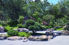 Het officiële openen van het Park van Kyoto in KyivKiev Verbazende schoonheid van de samenstelling van stenen Royalty-vrije Stock Foto's