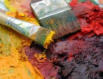 Het olieverfschilderijpalet van kunstenaars Royalty-vrije Stock Foto's