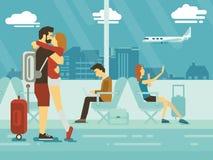 Het omhelzen van Paar en mensen die in luchthaventerminal zitten Stock Foto's