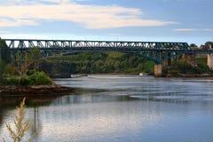 Het omkeren Dalingenbrug en gebied Heilige John River NB Royalty-vrije Stock Afbeeldingen